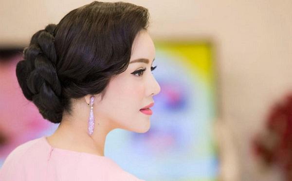 tóc ngắn cho phụ nữ 50