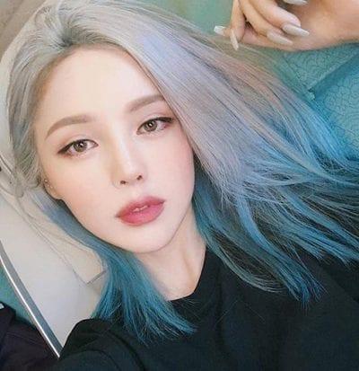 tóc ombre bạch kim xanh biển