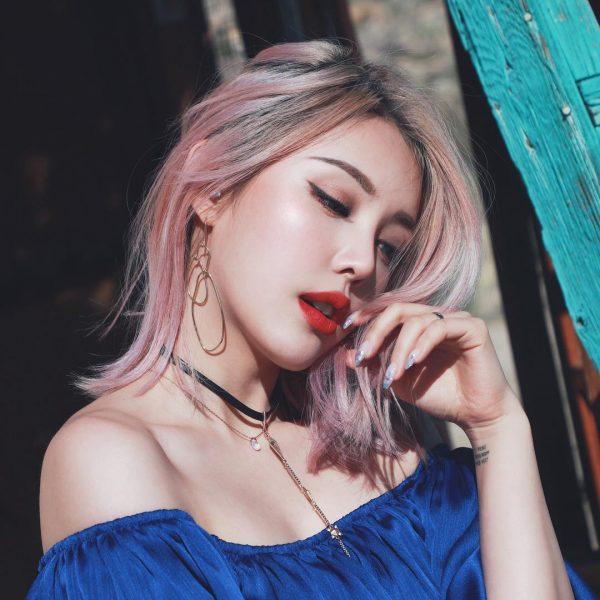 nhuộm tóc ombre màu vàng và màu hồng